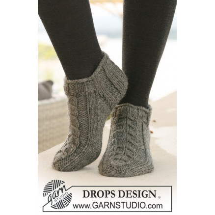 Image of   Leaf Ankle Socks by DROPS Design - Sokker Strikkeopskrift str. 35/37 -