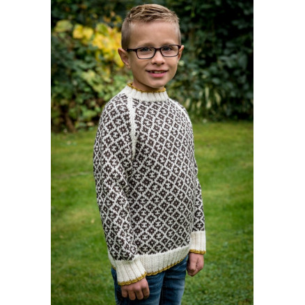Image of   Mayflower Mønstersweater med kontrastkant - Bluse Strikkeopskrift str.