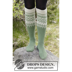 Perles du Nord Socks by DROPS Design - Sokker Strikkekit str. 35/37 - 41/43