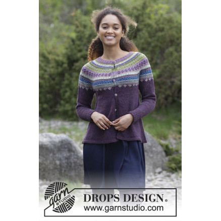 Image of   Blueberry Fizz Jacket by DROPS Design - Jakke Strikkeopskrift str. S -