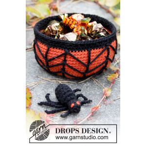 Creepy Candy by DROPS Design - Halloween Pynt Hækleopskrift Kurv 12x6cm