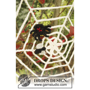 Black Widow by DROPS Design - Halloween Pynt Hæklekit