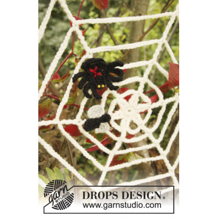Image of   Black Widow by DROPS Design - Halloween Pynt Hækleopskrift