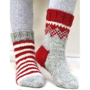 Twinkle Toes by DROPS Design 4 - Julesokker Grå med mønster på skaftet Strikkeopskrift str. 22/23 - 41/43