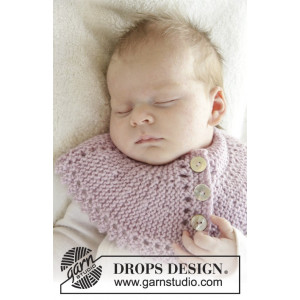 Serene by DROPS Design - Baby Halsedisse Strikkeopskrift str. 0/3 mdr - 3/4 år