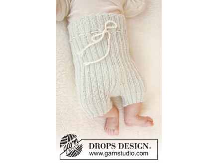 Image of   First Impression Shorts by DROPS Design - Baby shorts Strikkeopskrift