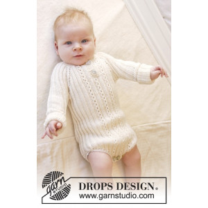 Simply Sweet by DROPS Design - Baby bodystock Strikkeopskrift str. Præmatur - 3/4 år