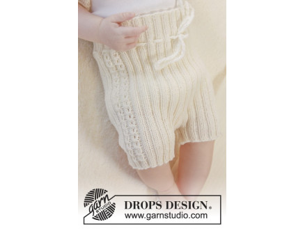Image of   Simply Sweet Shorts by DROPS Design - Baby shorts Strikkeopskrift str.