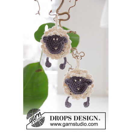 Rocking Sheep by DROPS Design - Får Hækleopskrift 9 cm thumbnail