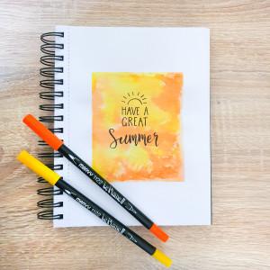 Lettering på akvarelbaggrund af Rito Krea - Lettering DIY