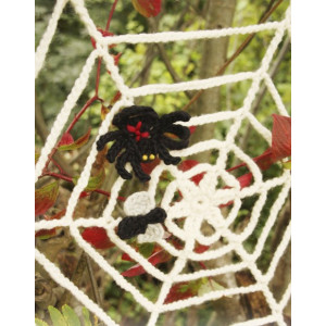 Black Widow by DROPS Design - Halloween Pynt Hækleopskrift