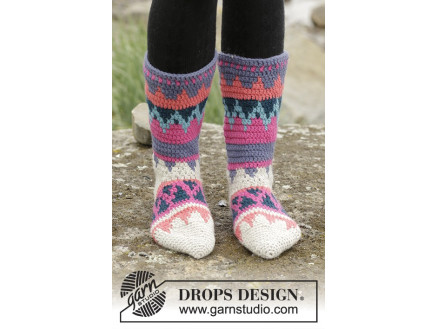 Image of   Colorful Winter by DROPS Design - Sokker Hækleopskrift str. 35/37 - 41