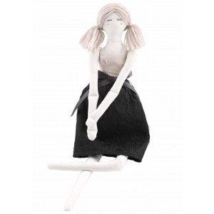 Go handmade Syopskrift Dukken Linda 45 cm