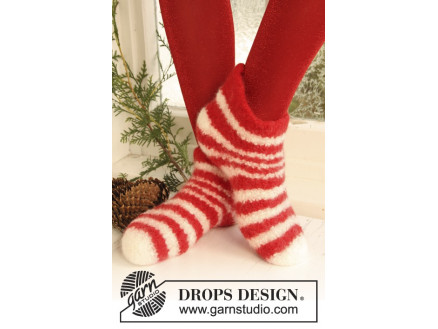Image of   Christmas Slippers by DROPS Design - Filtede Tøfler Strikkeopskrift st