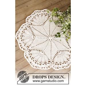 Sparkle & Shine by DROPS Design - Dug og Julestræstæppe Hækleopskrift 52 cm og 92 cm