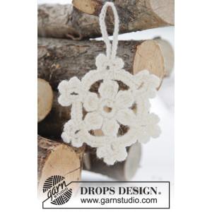 White Christmas by DROPS Design - Jule Stjerner Hæklekit 8 cm - 15 stk