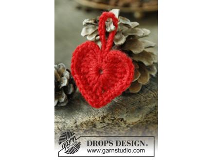 Heart of the Season by DROPS Design – Julehjerter Hækleopskrift 5 cm –