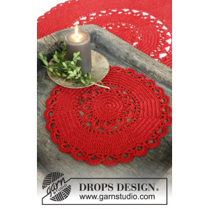 Christmas Morning by DROPS Design - Juledug Hæklekit 30 eller 60 cm