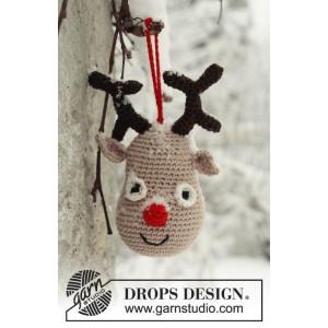 Rudolf by DROPS Design - Rensdyr julepynt Hækleopskrift 14 cm