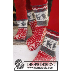 Christmas Stampede by DROPS Design - Sokker Strikkeopskrift str. 26/28 - 41/43