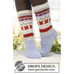 Winter Breeze by DROPS Design - Sokker Strikkeopskrift str. 35/37 - 44/46