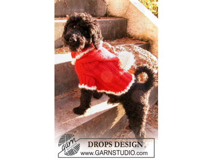 Santa Dog by DROPS Design - Hundebluse Strikkeopskrift str. XS - M thumbnail