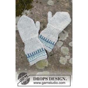 Wild Blueberrie Mittens by DROPS Design - Vanter Strikkeopskrift str. 12/18 mdr - 5/6 år