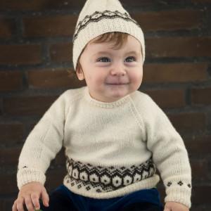 Mayflower Sweater med Mønsterstrik - Sweater Strikkekit str. 3/6 mdr - 24 mdr