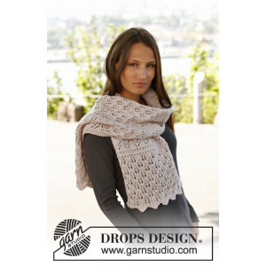 Soft Magnolia by DROPS Design - Halstørklæde Strikkeopskrift 175x35 cm