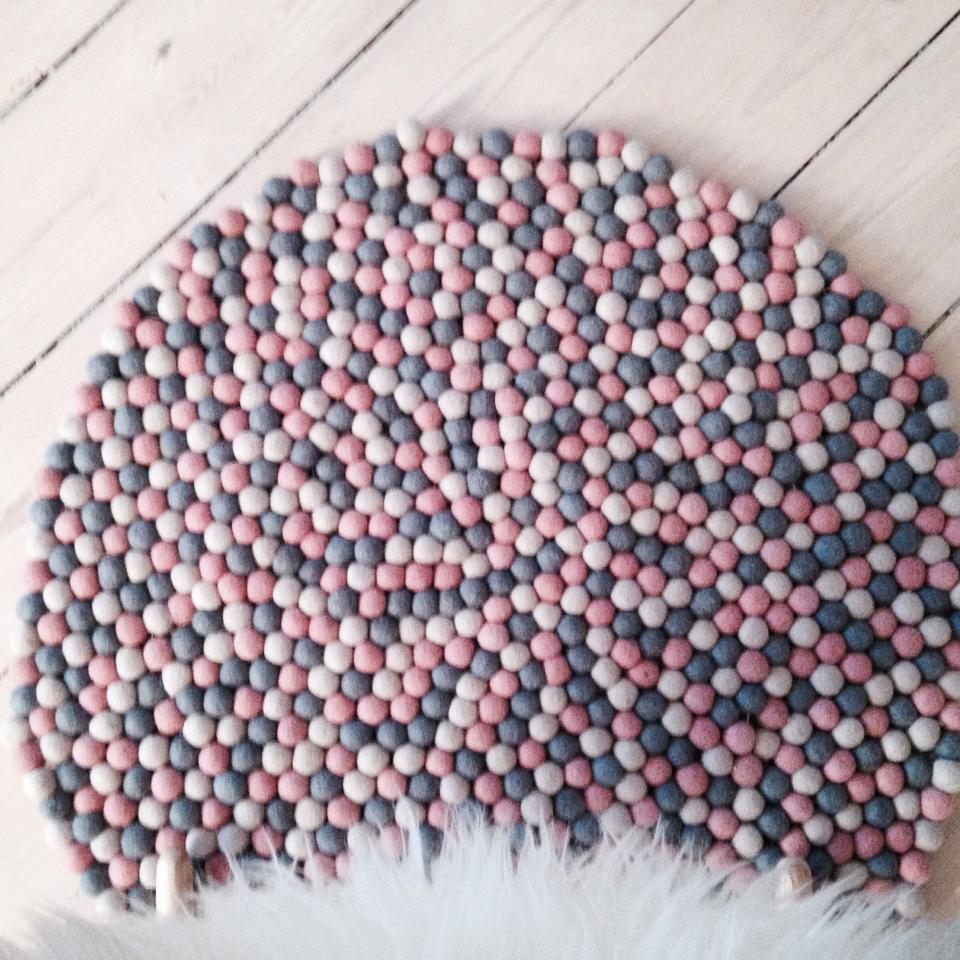 opskrift på strikket trøje